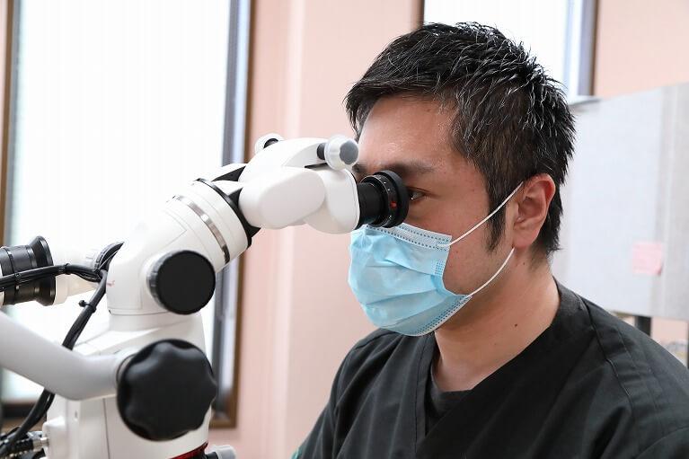 西京区の岩崎歯科医院では根管治療にマイクロスコープを使用します